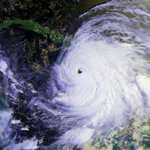 The last major hurricane to make landfall in Jamaica was Hurricane Gilbert (1988). #Matthew https://t.co/WLcnBCKI2q
