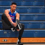 BREAKING: No. 1 overall pick Ben Simmons reportedly fractured his right foot during 76ers practice today, per @BobCooney76 https://t.co/sdz3gBbkZH