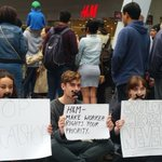Protestors stage sit-down at H&M store opening https://t.co/WWbTwlVCFU https://t.co/3JopvAu9mt