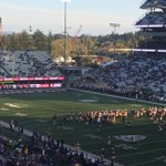 Its a beautiful night for a Husky victory! #UWvsStanford https://t.co/8uruLBnWPd