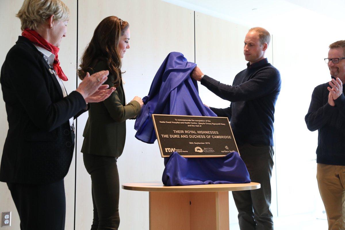 This plaque marks the completion of the new #HaidaGwaii Hospital. #RoyalTourCanada #RoyalVisitCanada https://t.co/G728d1RYS7