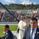 #PopeFrancis meets audience gathered for mass on Meskhi stadium in Tbilisi https://t.co/V2Umm2D4WL