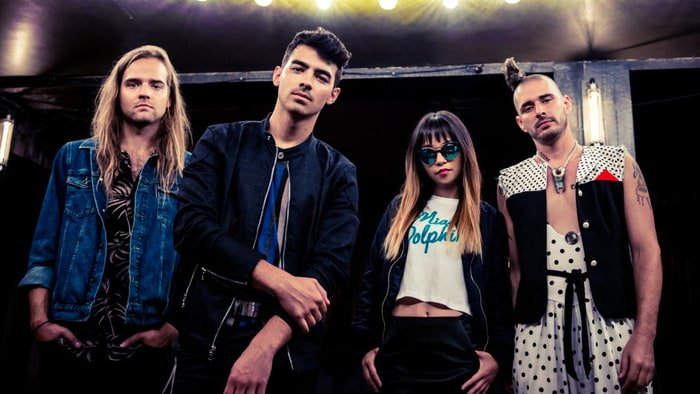 Hear DNCE's funky new song 'Body Moves' https://t.co/8GFFkYV1kW https://t.co/XufBBDIIQp