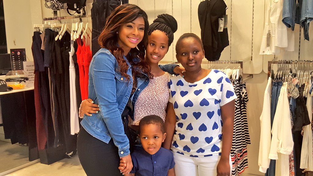 In store now at @Sissyboyjeans - @Boity with fans! https://t.co/LUoSpz7L1v