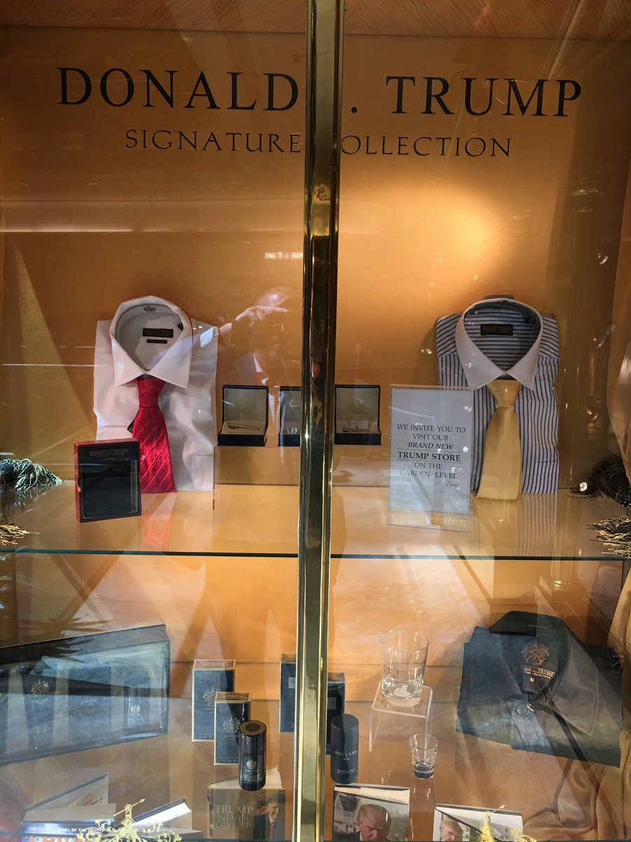 "Tag on @realDonaldTrump brand dress shirt in Trump Tower display case: ""Made in Bangladesh"" https://t.co/xxTmzSl42F https://t.co/Kb1NP8YnIK"