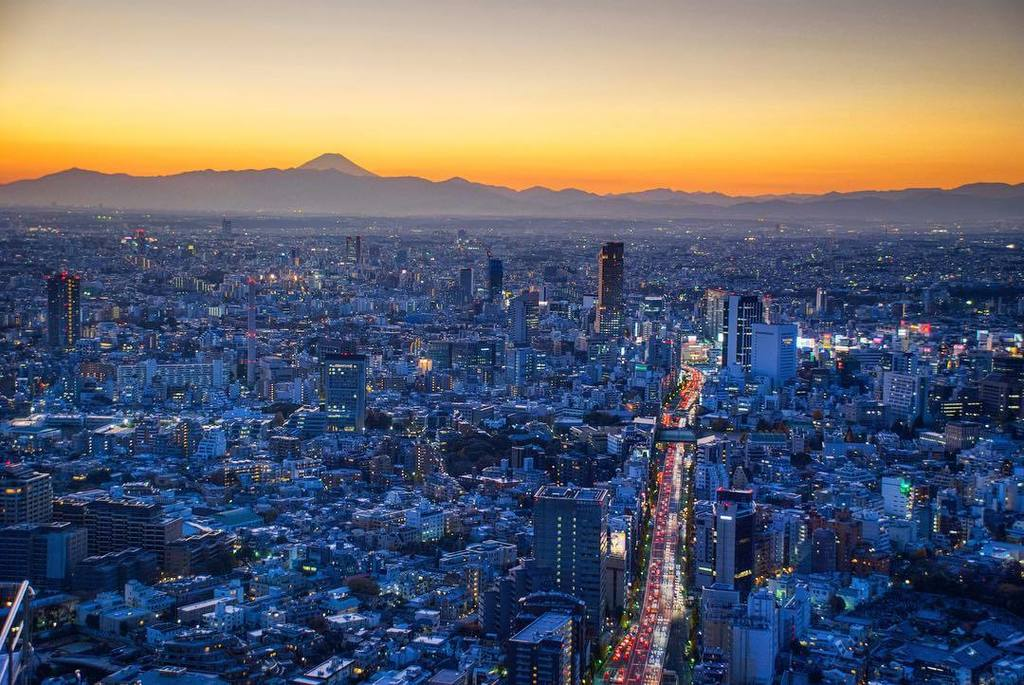 Sometimes this amazing view is possible. Tokyo & Mount Fuji.