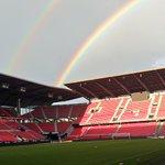 Un lendemain de victoire coloré @staderennais #RoazhonPark #SRFCEAG #ArcEnCiel #SRFC 🔴⚫ https://t.co/q8H2TjmKN6