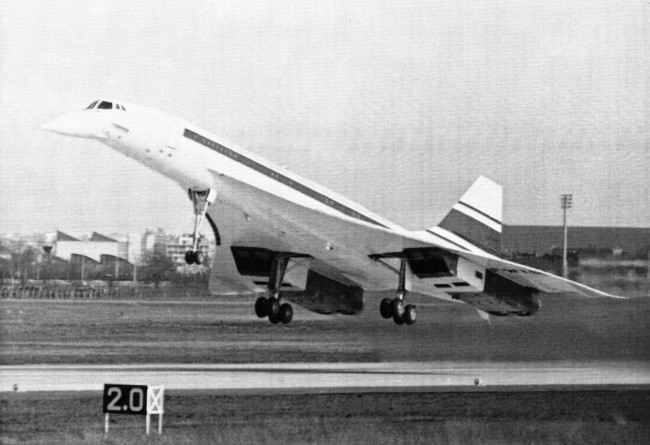 On this day in 1969, the Concorde breaks the sound barrier for the first time. https://t.co/Mweko3aY3p