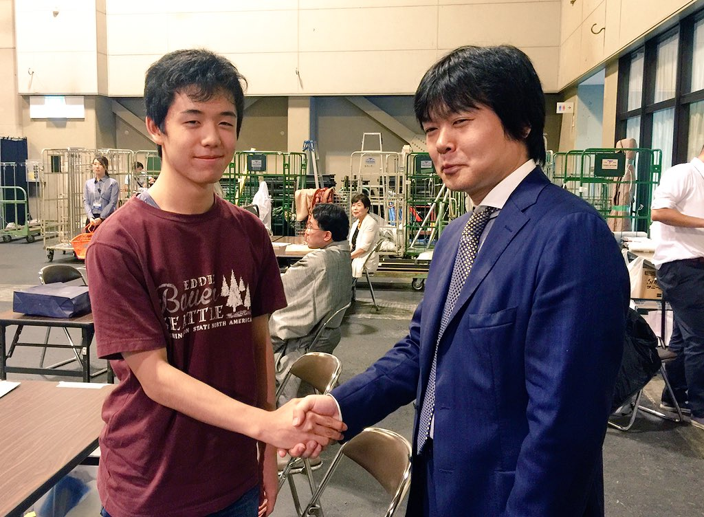 わー(*^▽^*) W藤井先生だ〜!! https://t.co/RXDZeqNC5y