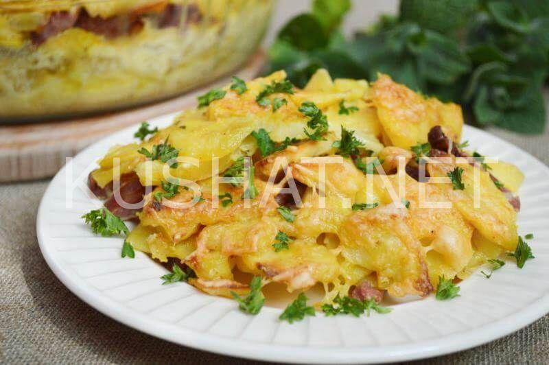 Как приготовить картофель в духовке с колбасой