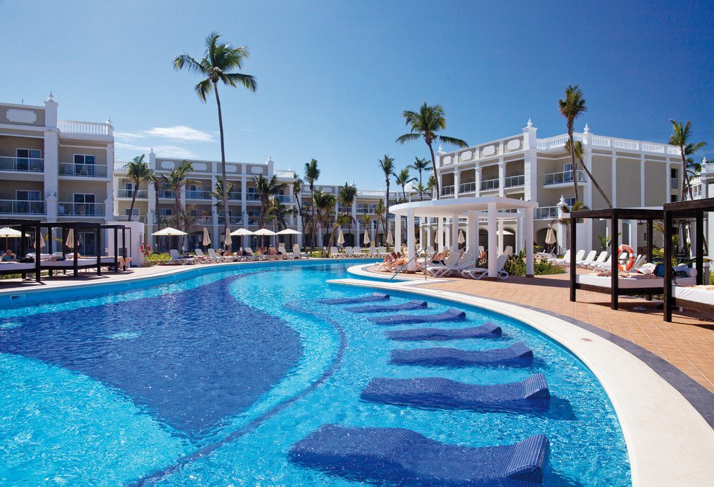 #Retweet if you want to relax at Riu Palace Bavaro pool: https://t.co/XyoFoLGgyd https://t.co/5D08EWoxCH