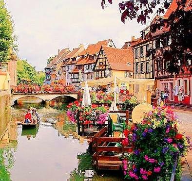 @1002interior: 【世界のインテリアシリーズ16】フランス、アルザス地方の街コルマール🍃 ハウルの動く城(4