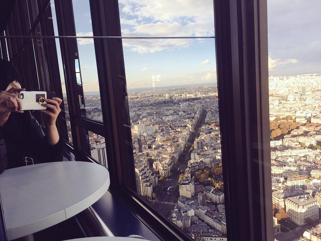 モンパルナスタワーにて意識の高い自撮り