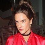 Alessandra Ambrosio goes makeup-free on instagram! https://t.co/YodTOJIUmT https://t.co/gyeKMyoCHk