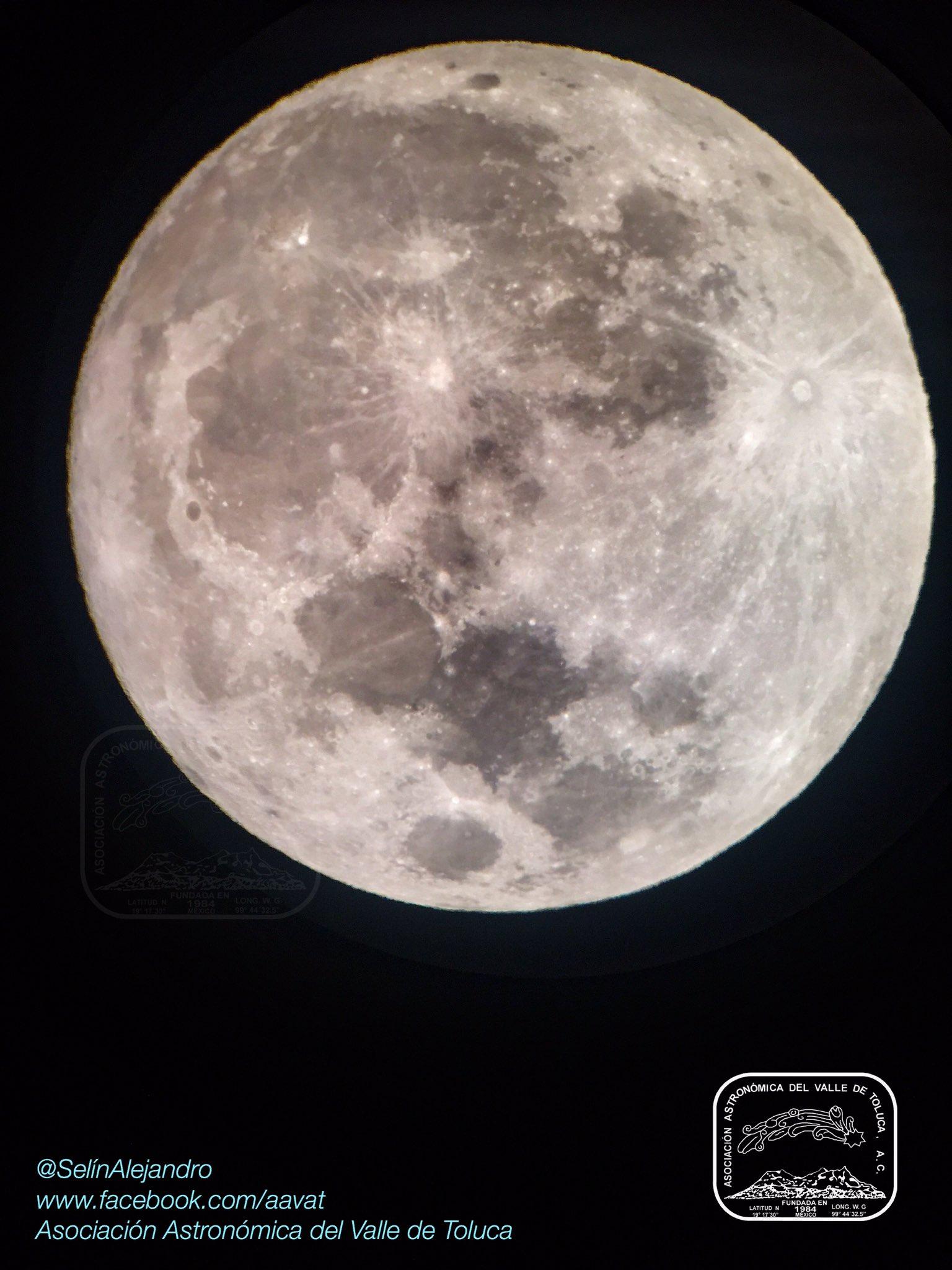 @webcamsdemexico Hermosa Luna Llena desde Toluca, México. https://t.co/x7yKJBzhfg