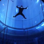 Examining the physics of somersaulting in an indoor skydiving tube: https://t.co/VQNQAlpyf5 https://t.co/KsQ24bQQrA