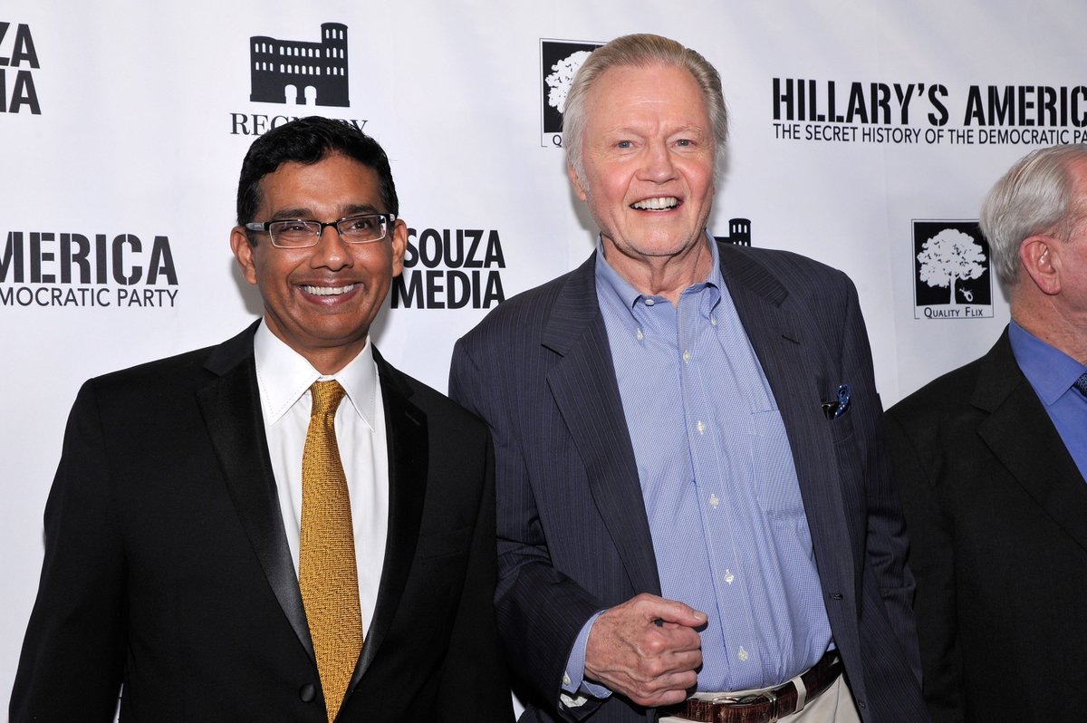 @DineshDSouza Why are Clinton's rich, they 'didn't invent the iPhone' https://t.co/UFXy1WXltv via @DCExaminer https://t.co/mhwDJxPZNX