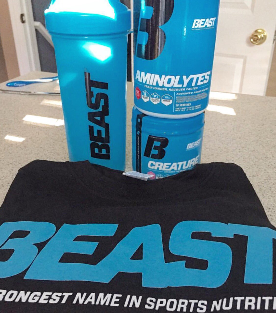 Beast Sports Contest! Win a Beast shirt, Creature, Aminolytes and Shaker! BOOM!  RT 2 ENTER!! https://t.co/SV1bCtp7yj