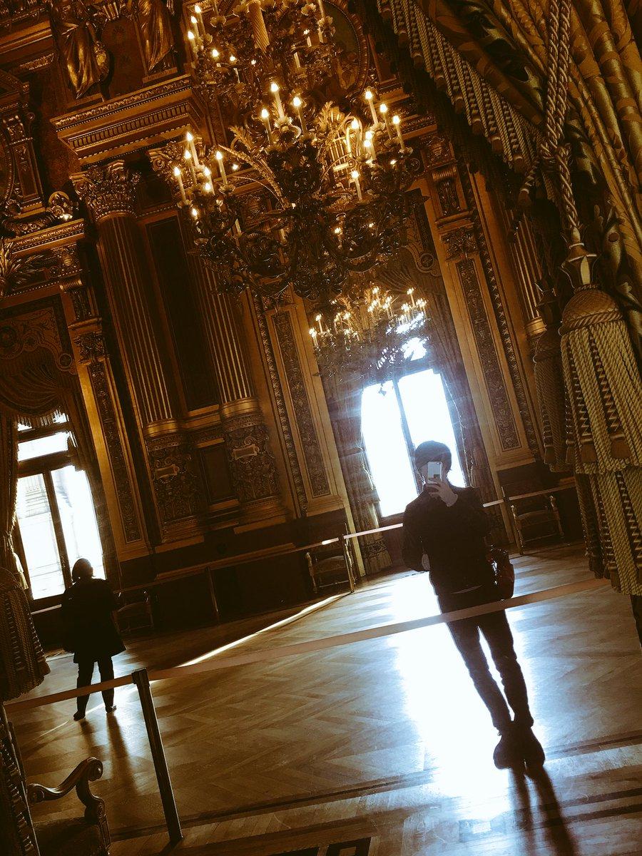 オペラ座にて意識の高い自撮り