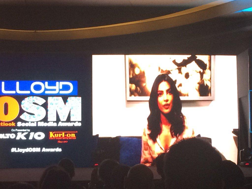 #OSM Movie Star of the Year: @priyankachopra for being the social media diva that she is. #LlyodOSMAwards https://t.co/Lf5QZweB5N