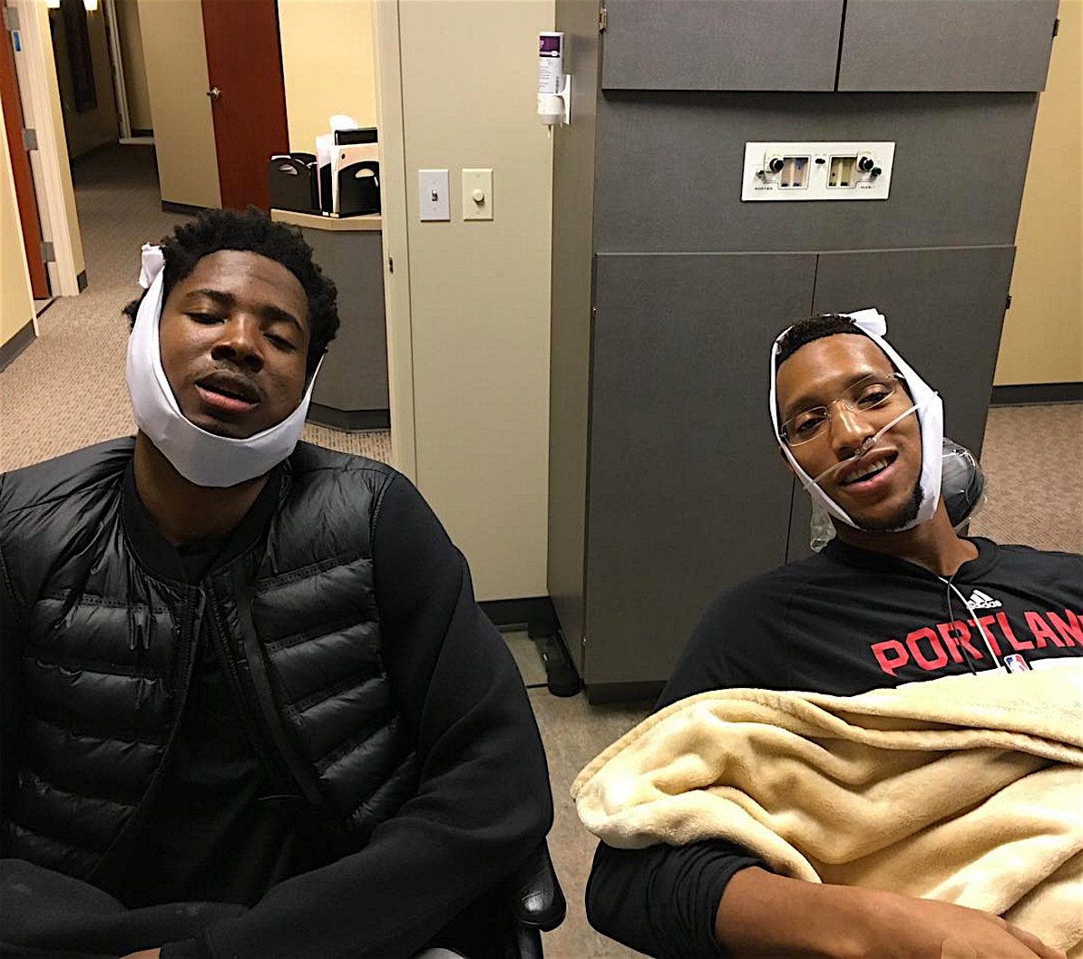 Evan Turner and Ed Davis visit the dentist, then pose for amazing photo https://t.co/Hy44yGscpb https://t.co/2Pgpnw24jb
