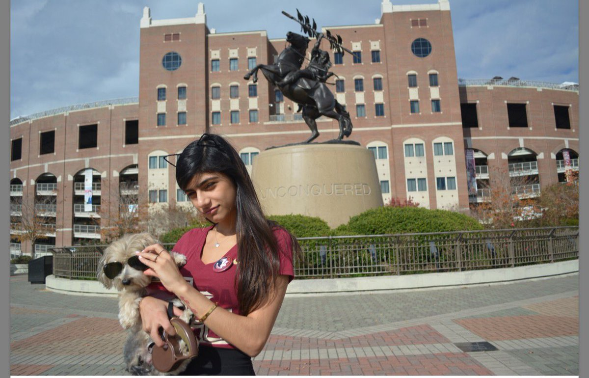 When you care more about the sun being in your dog's eyes than yours. #Noles VKe1f5y9j6