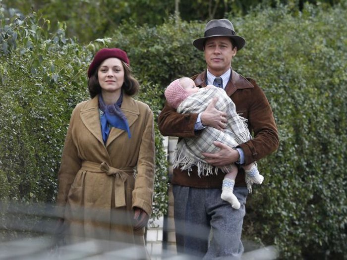 Brad Pitt is commanded to kill Marion Cotillard in the new trailer for