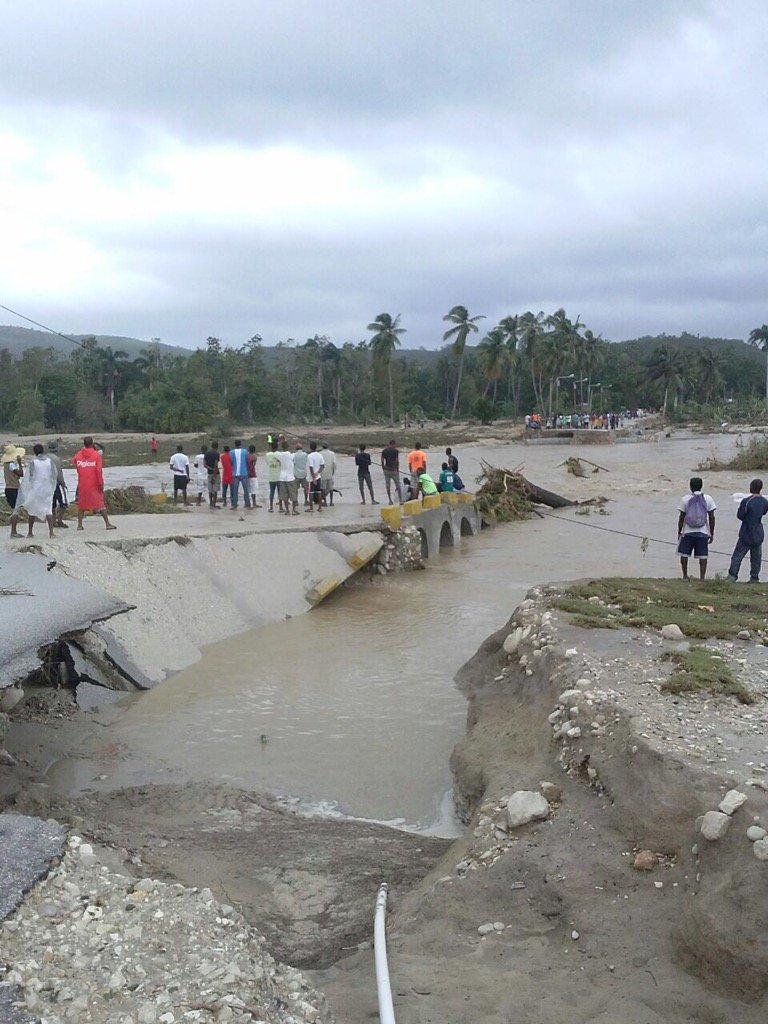 Bridge between aquin and cote de fer. #Haiti #MatthewHaiti https://t.co/mfoKY1AbRR