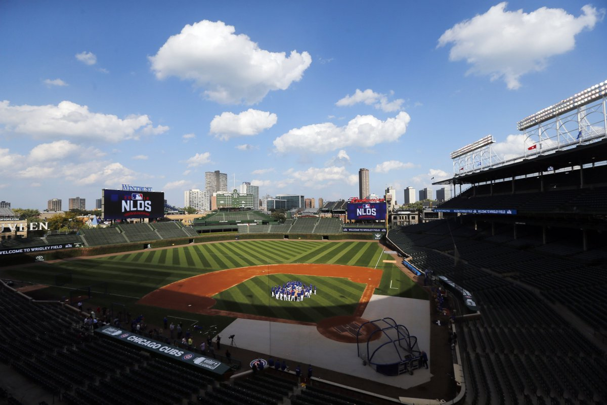 Hey, hey! We found a pair of #NLDS Game 1 tickets to give away!  RT for a chance to win! #FlyTheW https://t.co/qqKKjhSFO1