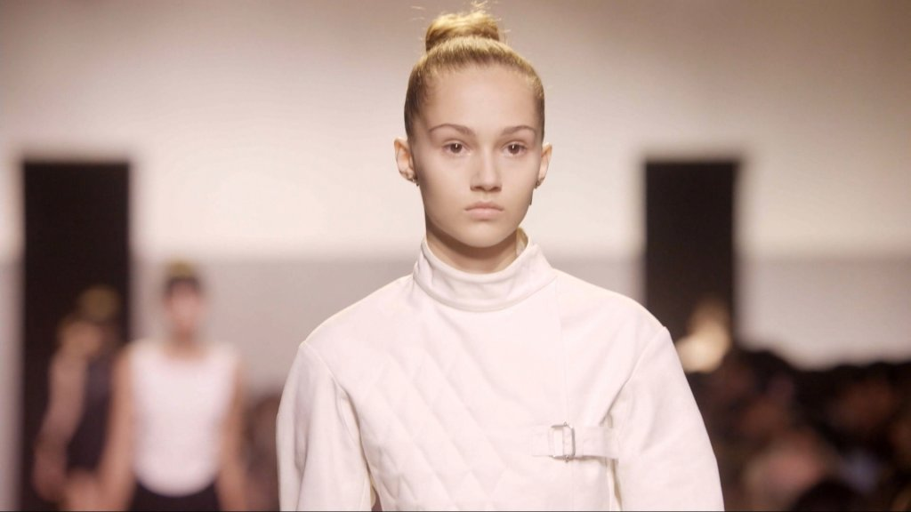 FASHION - Ready-to-wear 2017: Evolution, new technology and modern feminism!