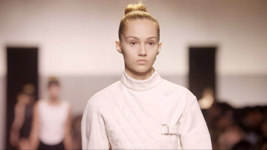VIDEO -  Ready-to-wear 2017: Evolution, new technology and modern feminism!