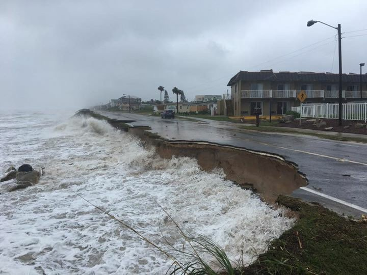 Viewer photos coming in showing roads being washed away at 15th Street in Flagler Beach. #Matthew #wftv https://t.co/ohR4MkQcXJ