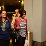 RT @himani__patel: @shreyaghoshal arrived at Singapore. *New picture*  https://t.co/8BpBiW1A8l