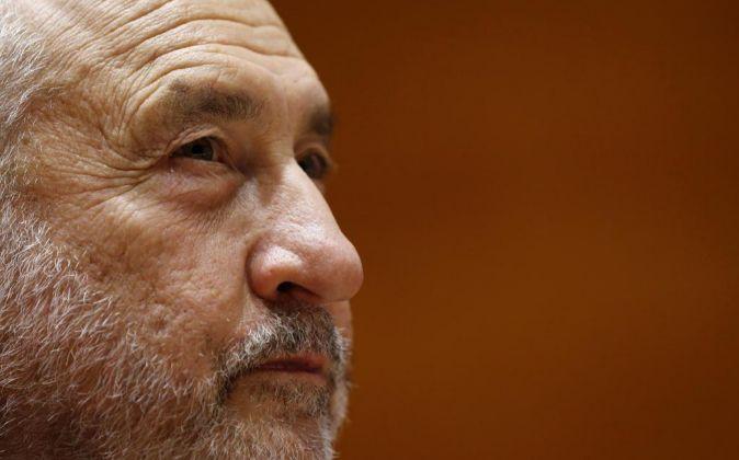 Joseph Stiglitz: Cataluña sería viable económicamente si fuera independiente https://t.co/wnb84nrFc5 https://t.co/AjLPfWNXw1