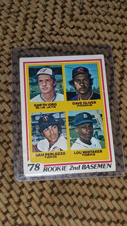 Ok let's have a #PWEpayitforward giveaway For this 1978 Rookie Topps cards Just RT for your chance https://t.co/9vPxO7Sp0T