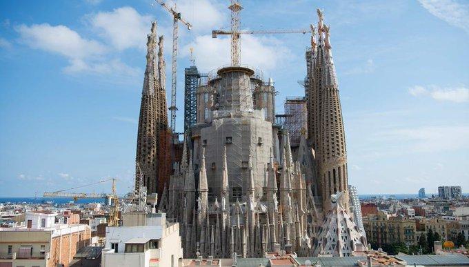 La sagrada familia el templo que ide gaud transformar for Permiso de obras barcelona