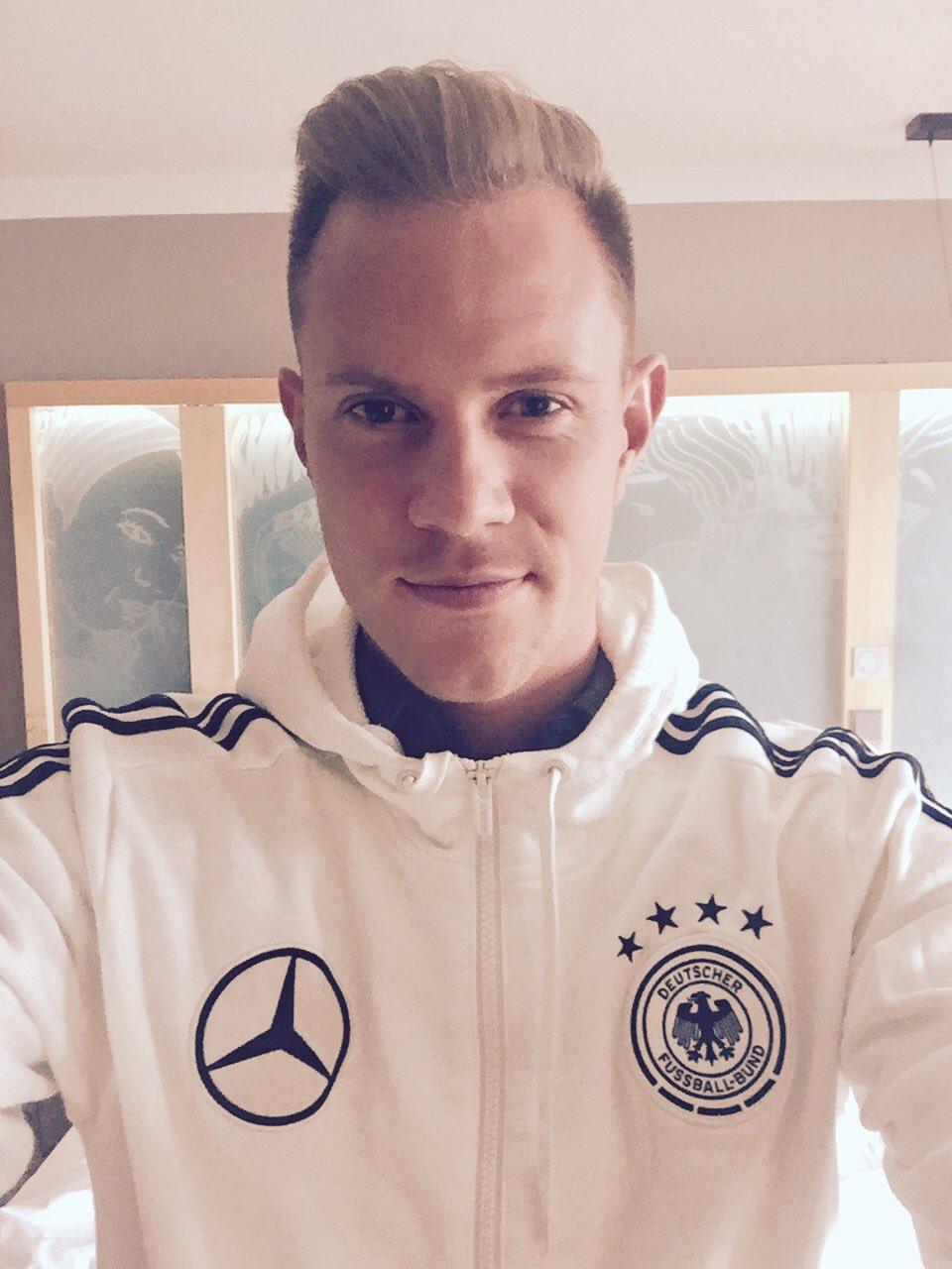 Good morning! 😊Home match in Hamburg. It's matchday! 🇩🇪⚽  #GERCZE #DieMannschaft #DesireToWin https://t.co/89aJiYvcpd
