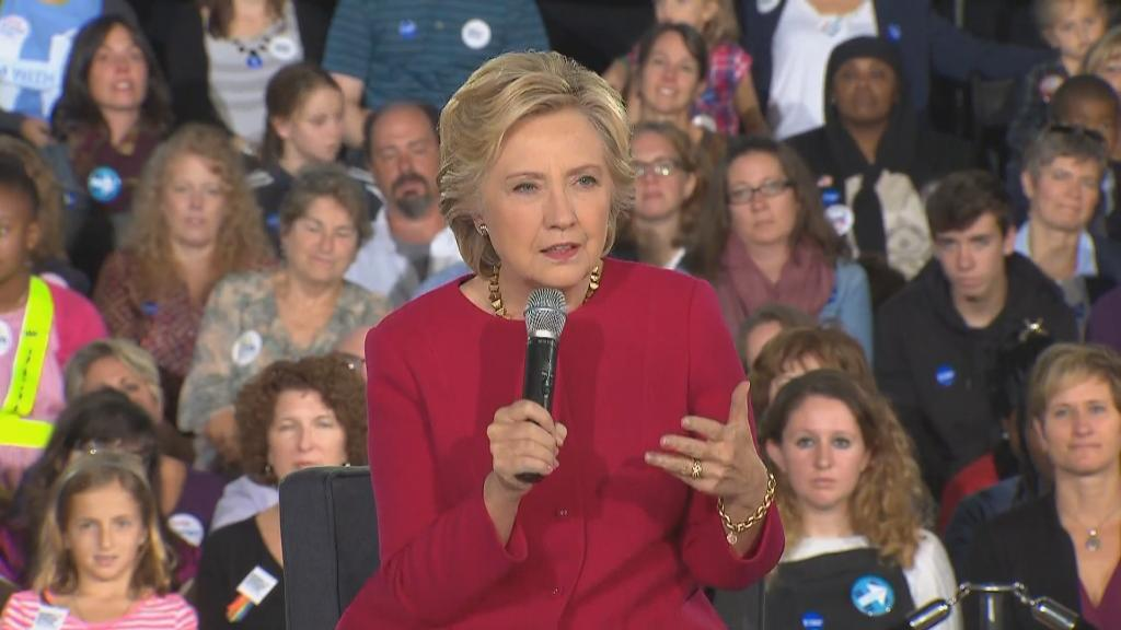 Wikileaks publishes Hillary Clinton's Wall Street speech transcripts https://t.co/CSDKSWZZRa https://t.co/PdiqsQSPP1