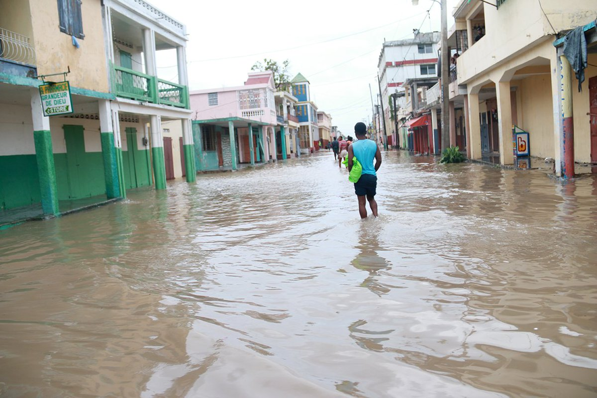 #HurricaneMatthew caused flooding and damage to water and sanitation infrastructure in Haiti. Cholera is a concern. https://t.co/JOvcXYq3DG
