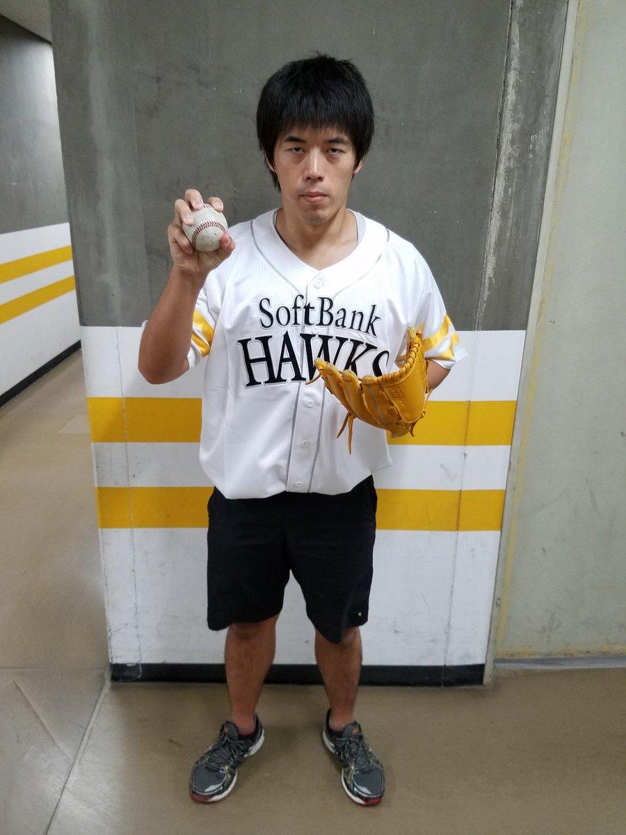 本日13時からクライマックスシリーズのホークス戦始球式投げてくるぜっ!目指せストライクぅぅぅーーー(≧▽≦)