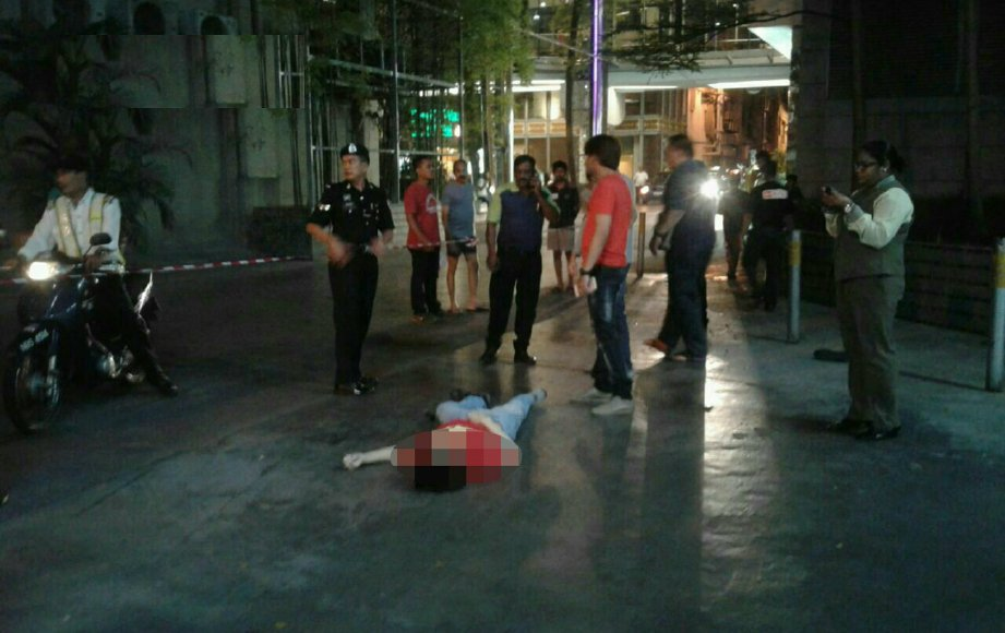 Man jumps to his death at Mid Valley Megamall  https://t.co/Qz1mwelNrM https://t.co/8JfpdqaxsX