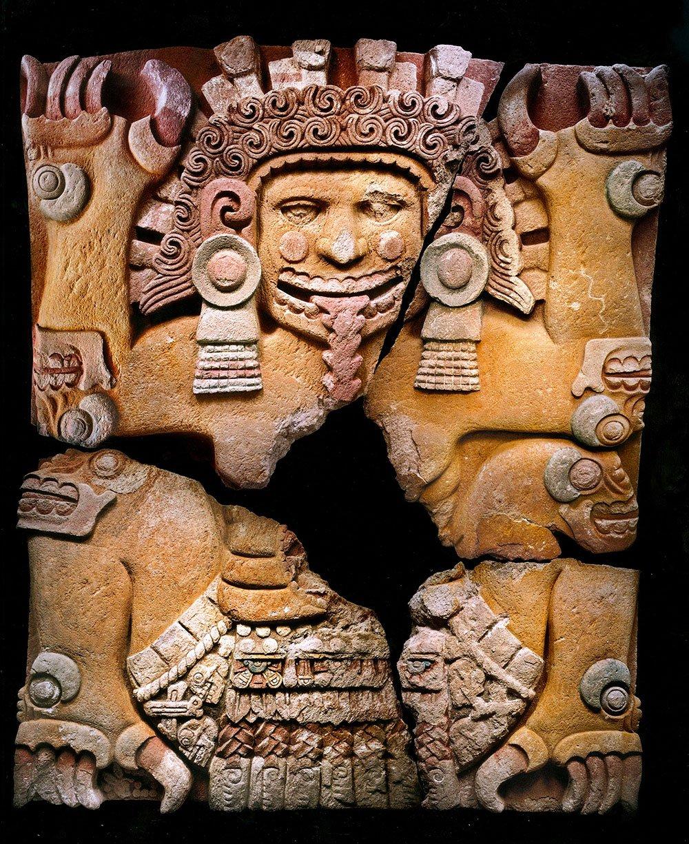 #Domingo de #Museos   Hace 10 años se dio el descubrimiento del monolito de la diosa Tlaltecuhtli en el #TemploMayor @INAHmx @MusTemploMayor https://t.co/qGeRid2KOG