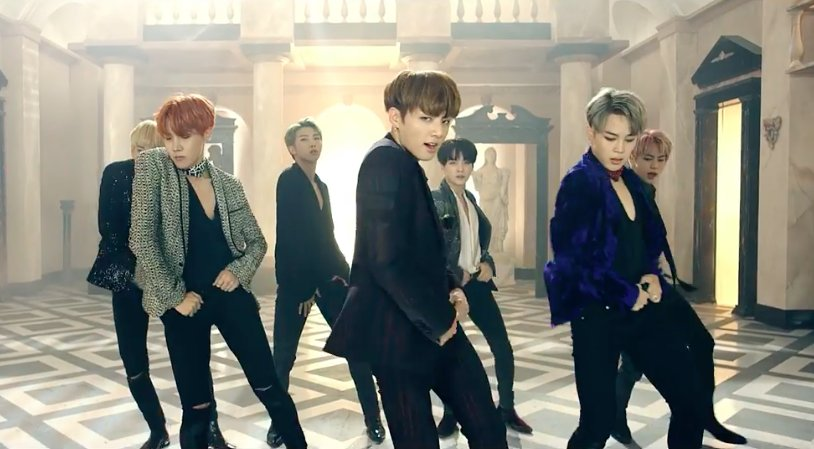 """#BTS Achieves All Kill With """"Blood Sweat & Tears,"""" Takes Over Charts With """"WINGS"""" #WINGSBR https://t.co/Zj9aoJa5D6 https://t.co/oi2dxeylUN"""