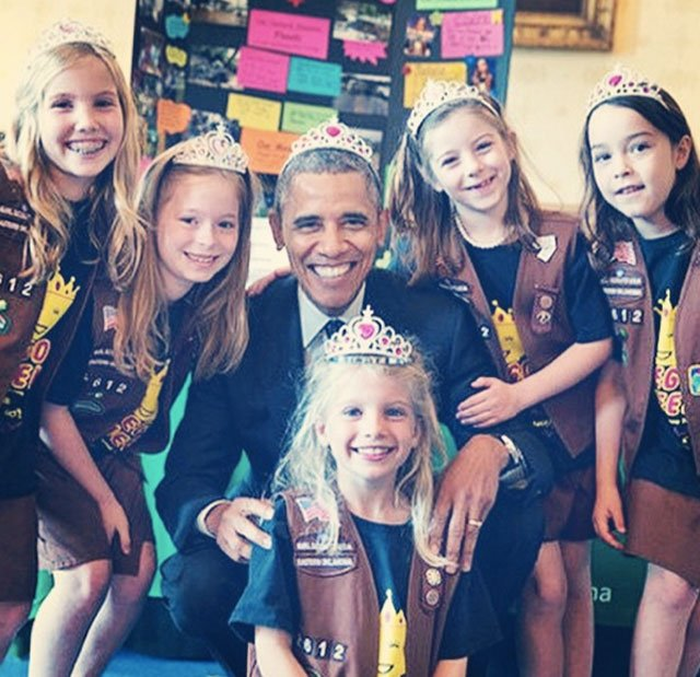 Can we just celebrate this for a minute?   Girls present science to the President & everyone wears a tiara  because https://t.co/f00XBc8aEK