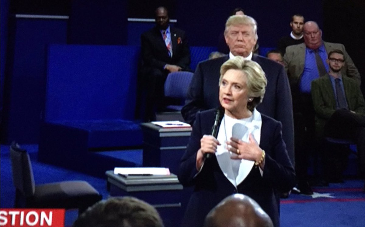 "When he keeps asking for your number and you're like ""is he still behind me?"" #debate https://t.co/geCTe7vln0"