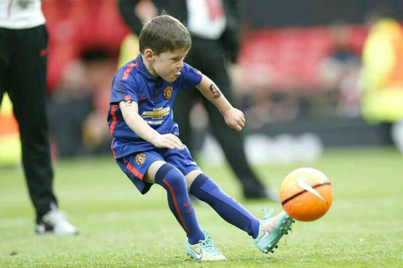 Wayne Rooney's 6-year-old Son Kai Joins Manchester United Academy  https://t.co/AOpXavPmbu https://t.co/3gWGBqP6zs