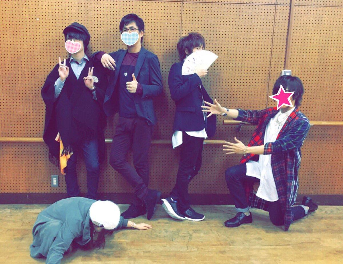 秋風ライブラリー川崎公演、終わりました!ありがとうございました!! 神戸、川崎の2回でしたが趣が変わって楽しかった!終わってみんなと。ありがとうね!! https://t.co/9M1gHKl298