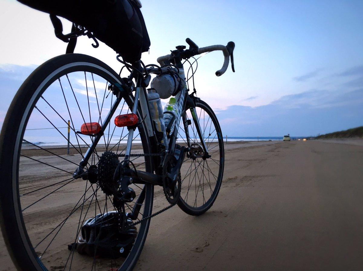 【自転車24時 / 体力の限界はどこだ?】  私に取り憑いていた疑問。  「24時間で自転車はどこまでいけるのだろう?」  そんな疑問、解決してきました。  https://t.co/0Qkl24qymN https://t.co/cHsLD10DBe