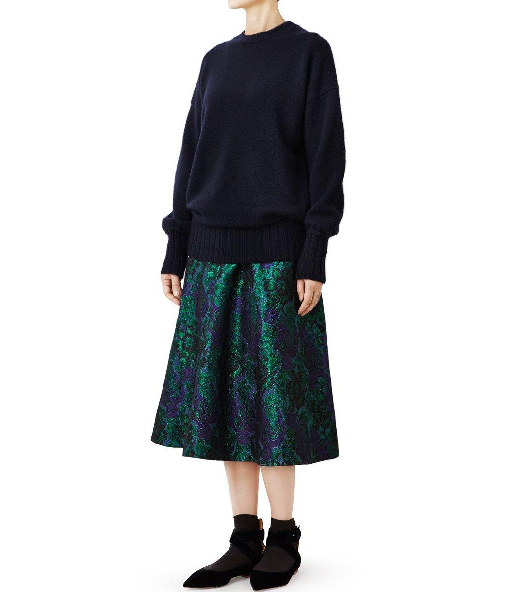 上品に輝く花柄のラメジャガードのスカートで秋冬のコーディネートに彩をプラス。 【LE CIEL BLEU】Lame Jacquard A-line Skirt / ¥31,320  https://t.co/yxnv5LHb7b https://t.co/cz3IxIp8Q4