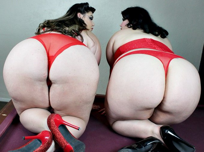 2 pic. Order a custom video from @bellabendzxxx & I Today!!! juicyjazmynne@gmail.com https://t.co/i7